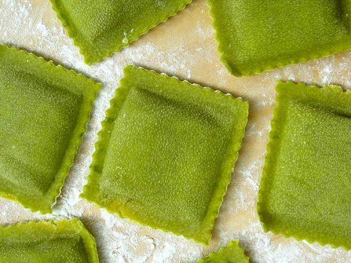 Ravioloni con ricotta e spinaci